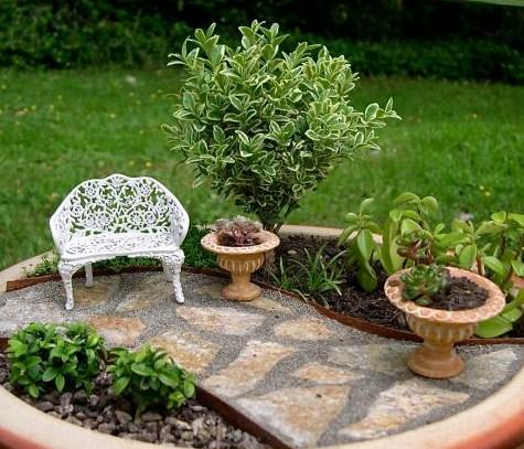 Fotos de mini jardines con caminos de piedras