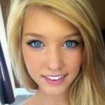 Mujeres de ojos azules