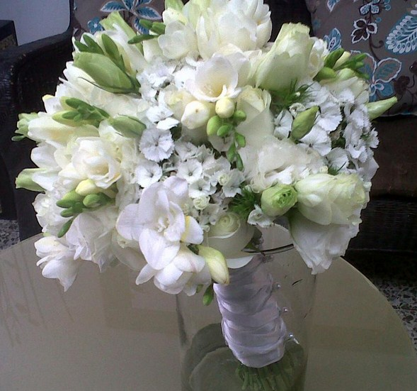 Ramos de novia de rosas blancas naturales