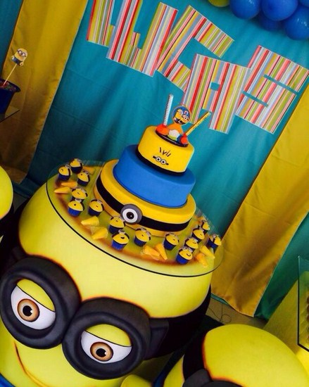 Torta facil Minion